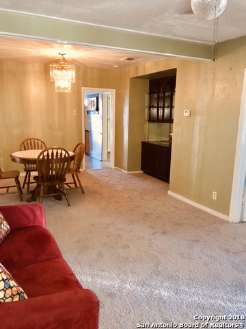 Trane Ac Rox 7 Yrs Old Roof 9 Second Home Has Large Living Area Eat In Kitchen Separate Washer Dryer Connection And
